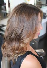 brunette with sublte highlights