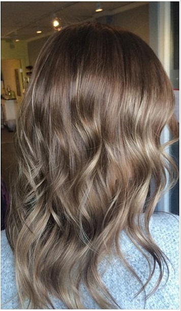 natural brunette hair color with highlights