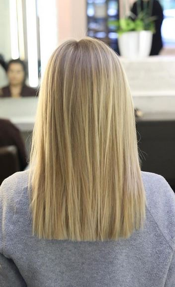 natural-looking-blonde-highlights-and-blunt-haircut
