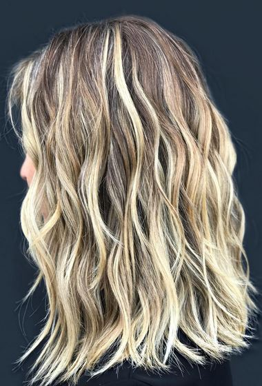 this-blonde-color-and-cut-is-so-on-point