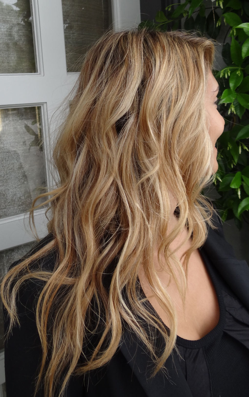 how to get blonde highlights in brown hair naturally