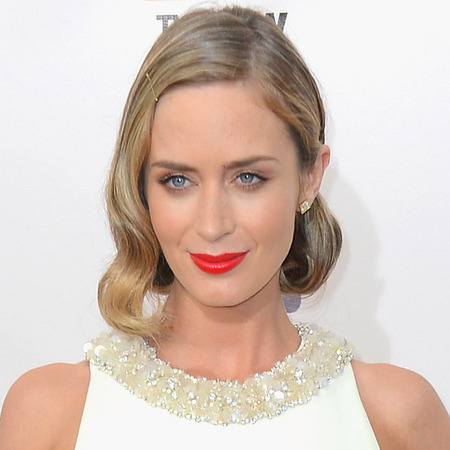 emily blunt critics choice awards hair